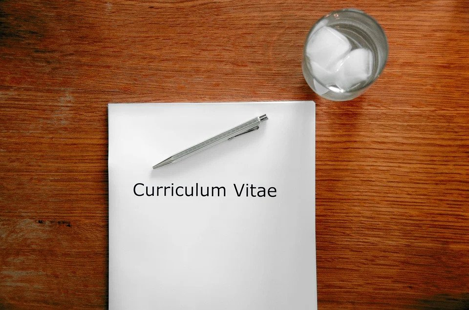 Tips to create a CV and ace a job interview
